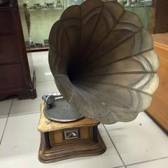 Оценить и продать  старинные предметы